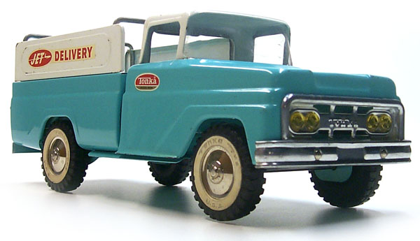 Front view of a 1962 Tonka Jet Delivery Truck Number 410